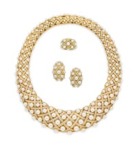 A SUITE OF CULTURED PEARL AND DIAMOND 'MATELASSÉ' JEWELRY, BY CHANEL