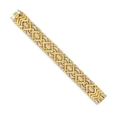A DIAMOND AND GOLD 'TRIKA' BRA