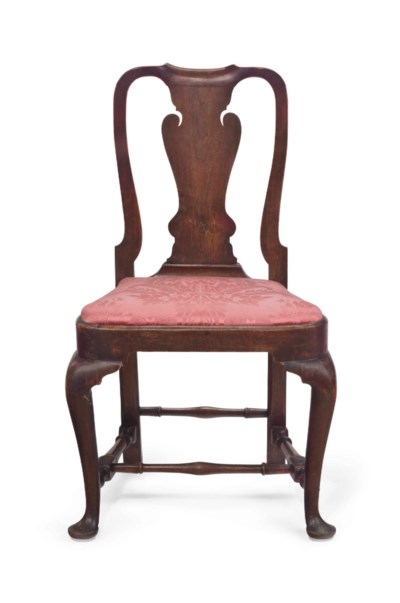 A QUEEN ANNE WALNUT SIDE CHAIR
