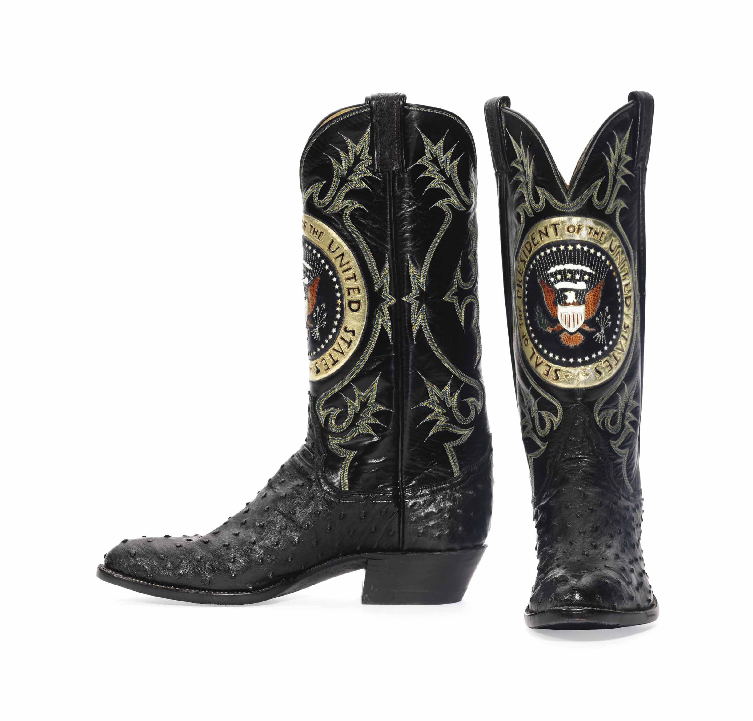 PRESIDENT RONALD REAGAN A PAIR OF AMERICAN BLACK QUILL OSTRICH, COWHIDE AND FROG SKIN COWBOY BOOTS