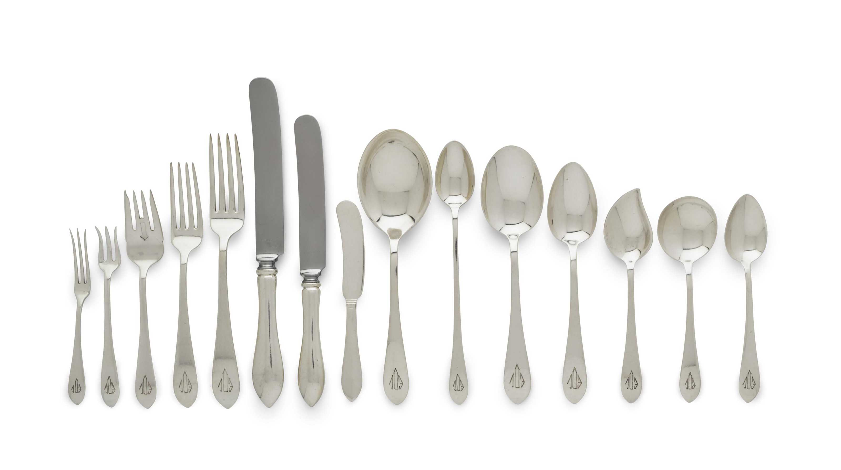 AN AMERICAN SILVER FLATWARE SERVICE MONOGRAMED 'EDL'