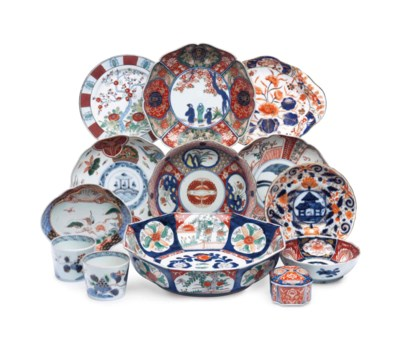 A GROUP OF JAPANESE IMARI AND