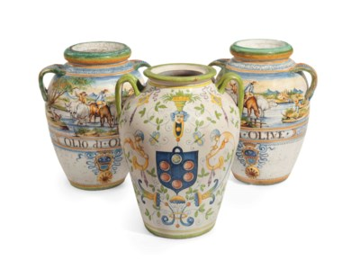 THREE ITALIAN MAIOLICA TWO-HAN
