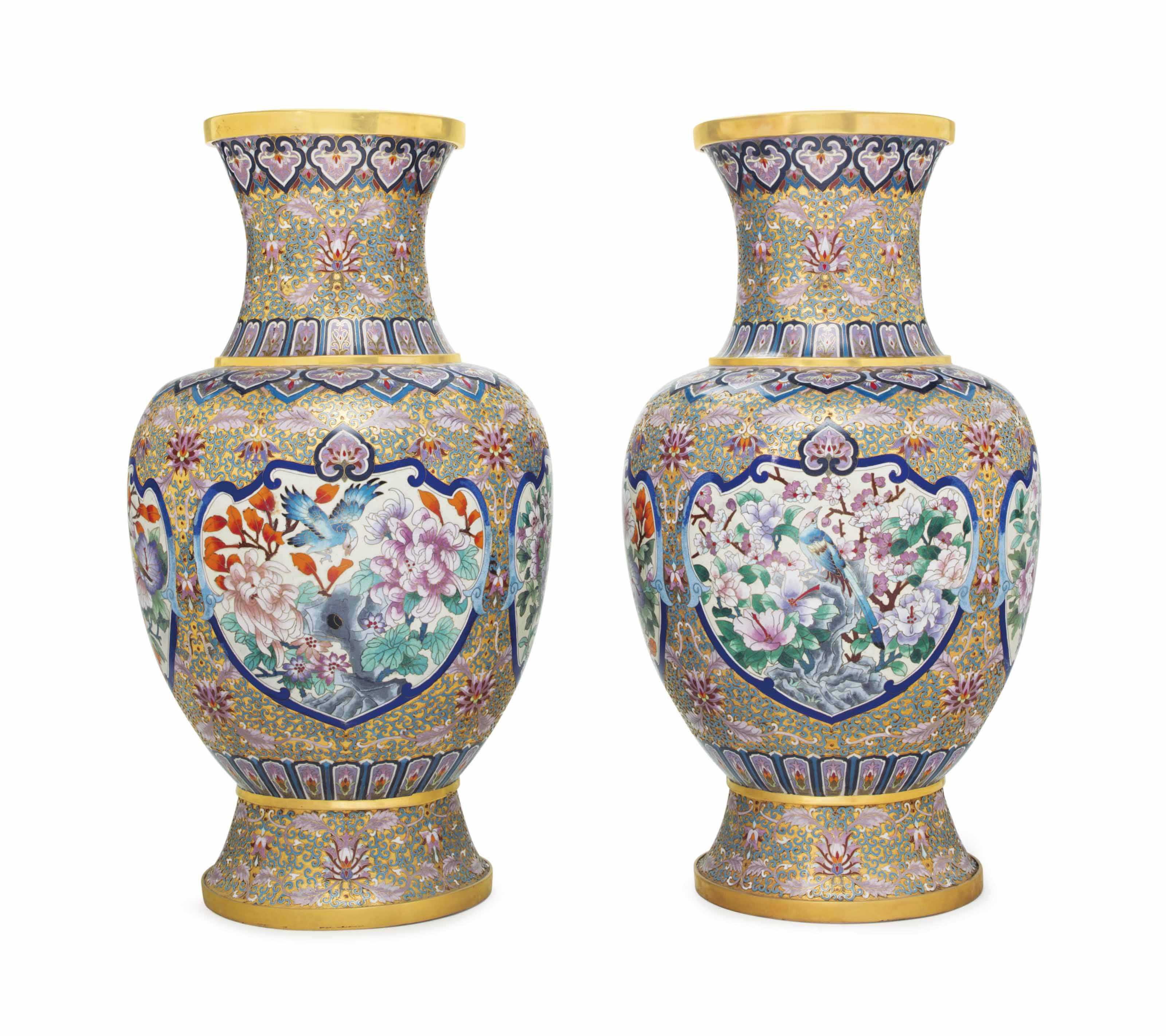 A LARGE PAIR OF CHINESE GILT A