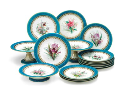 A ROYAL WORCESTER PORCELAIN TU