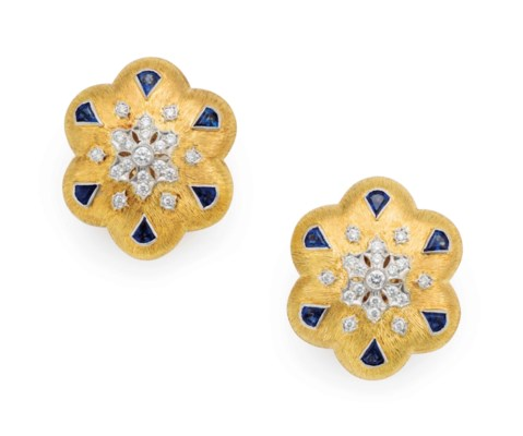 A PAIR OF FRENCH 18K YELLOW GO