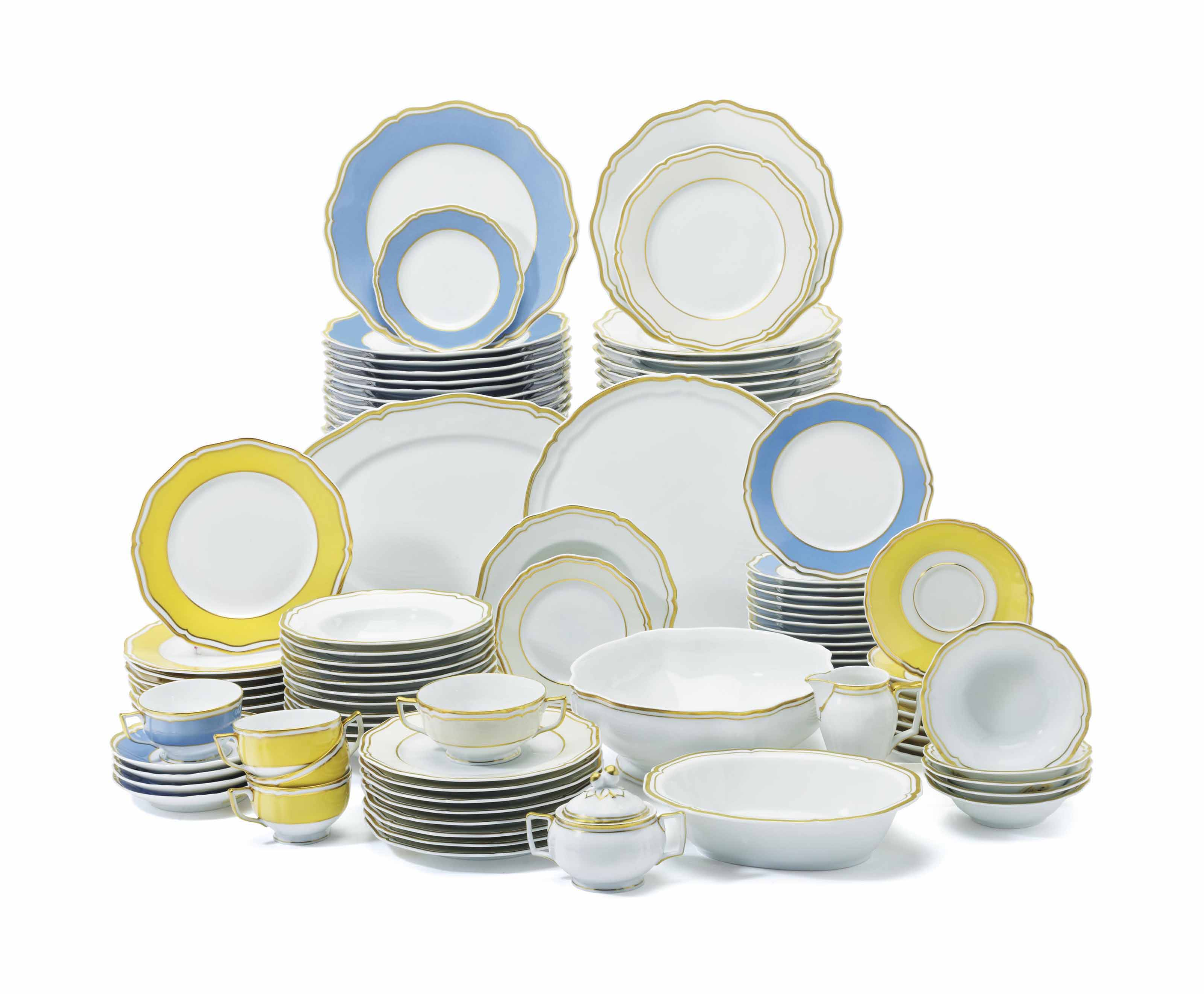 AN EXTENSIVE ASSEMBLED LIMOGES (A  RAYNAUD & CO ) PORCELAIN DINNER