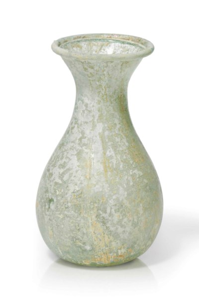 A ROMAN PALE GREEN GLASS UNGUE