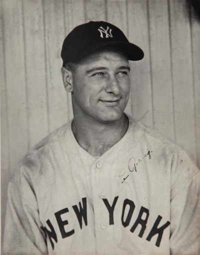 LOU GEHRIG SIGNED PHOTOGRAPH