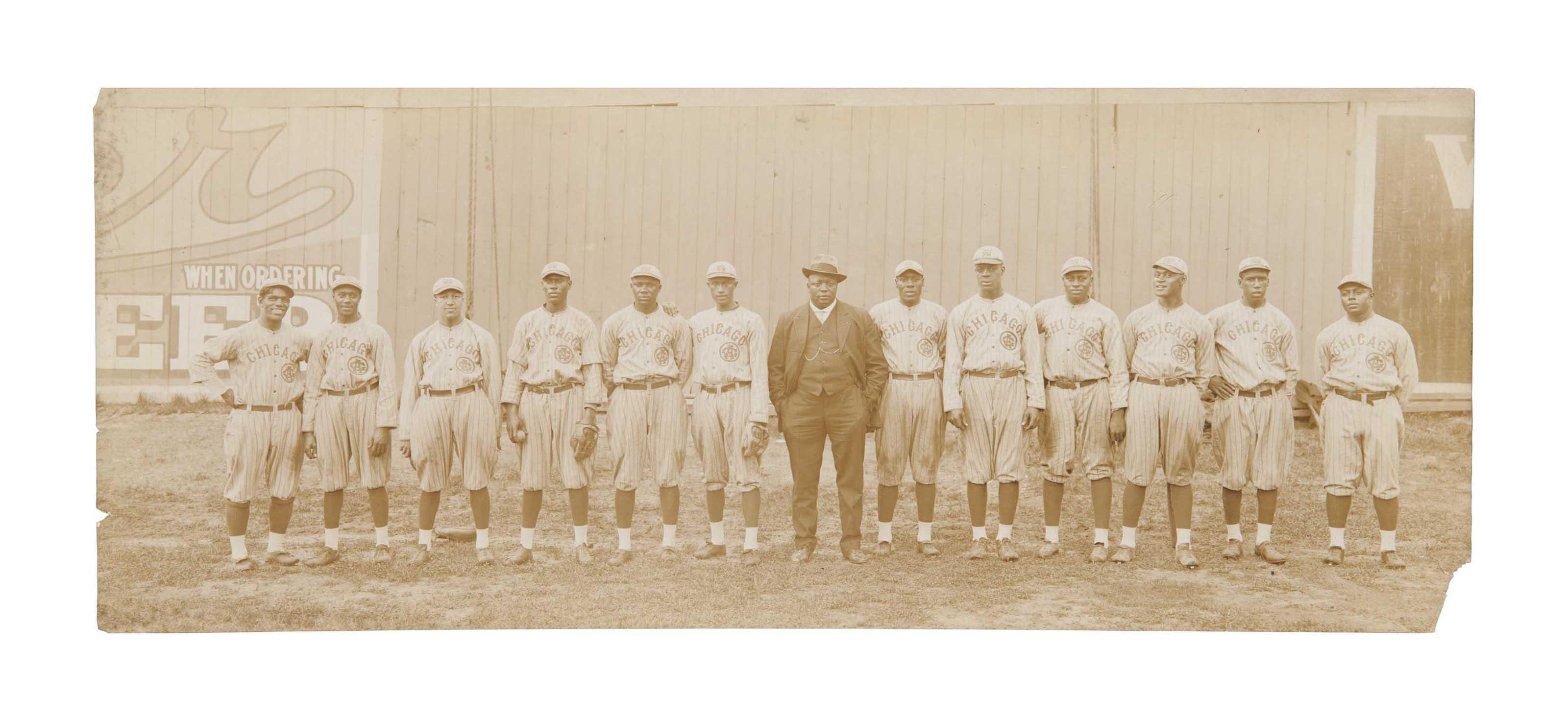 1916 CHICAGO AMERICAN GIANTS PANORAMIC PHOTOGRAPH