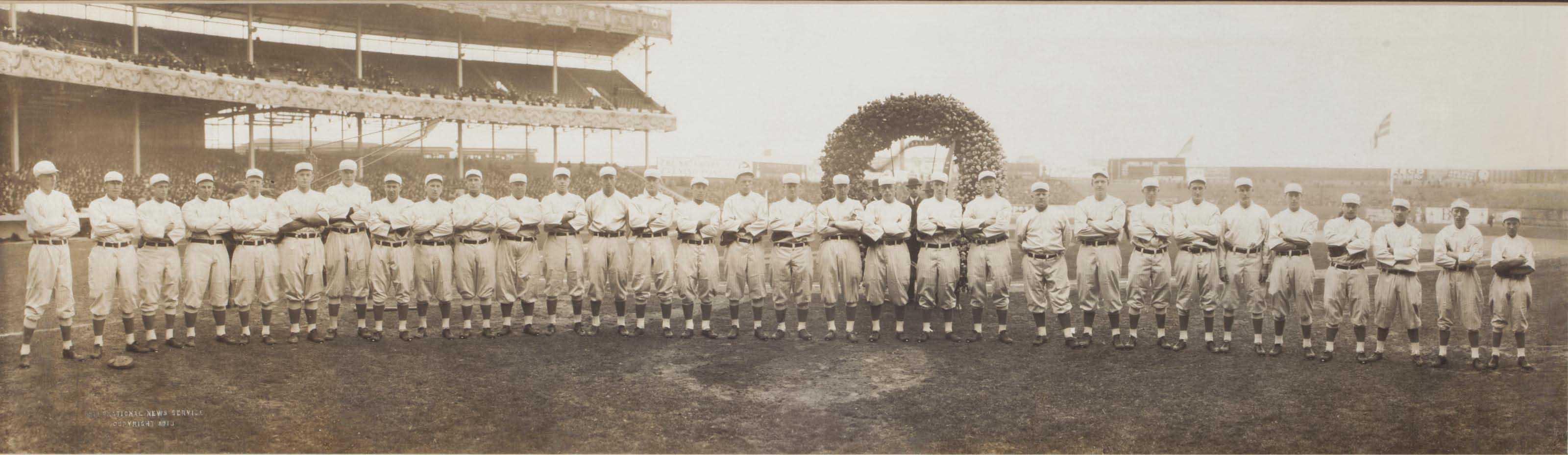1913 NEW YORK GIANTS TEAM PANO