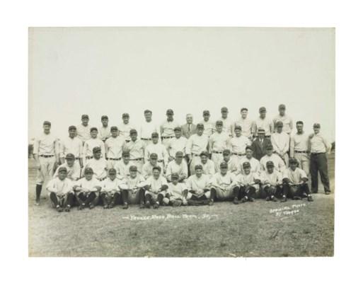 1930 NEW YORK YANKEES TEAM PHO