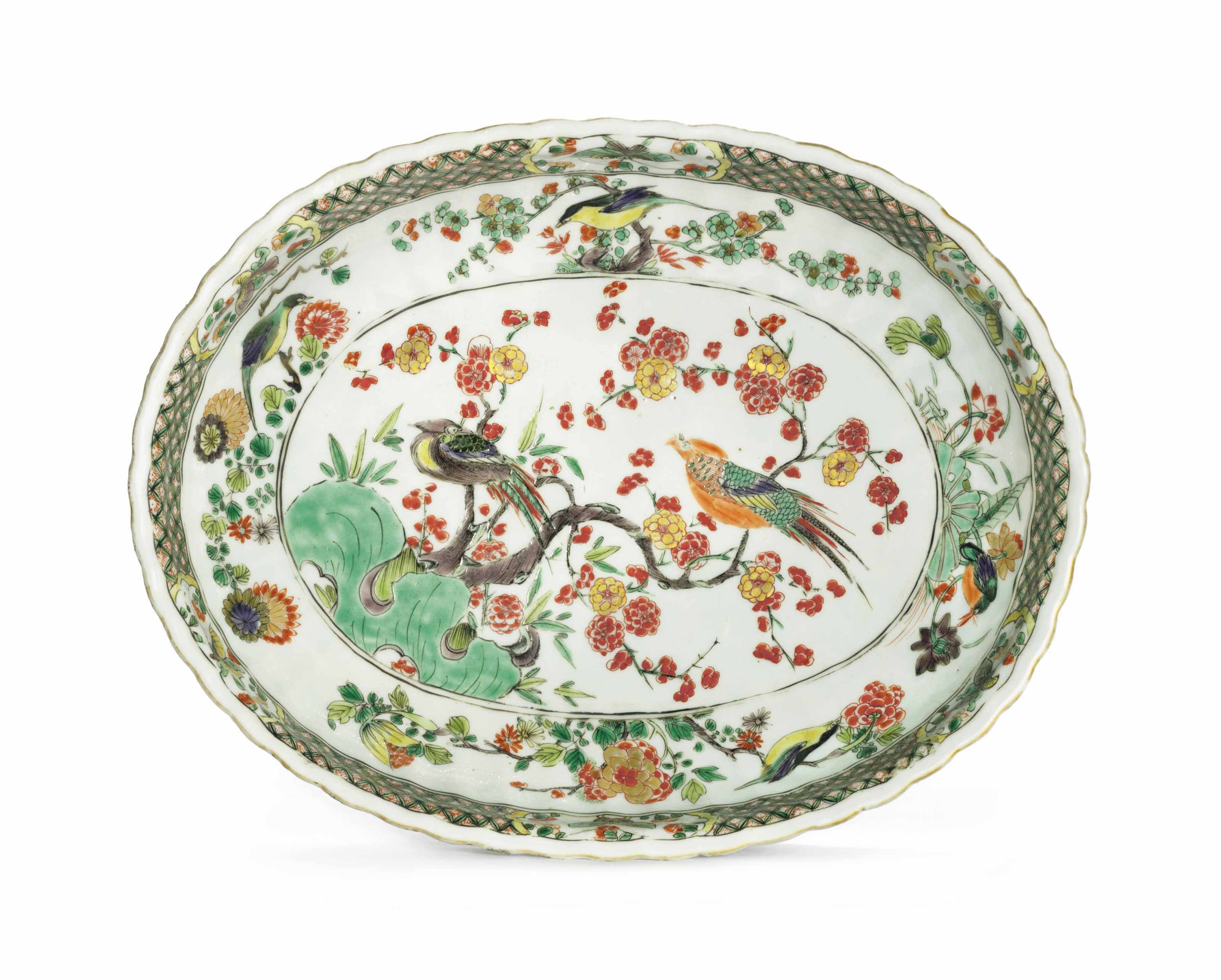 A FAMILLE VERTE SCALLOPED OVAL