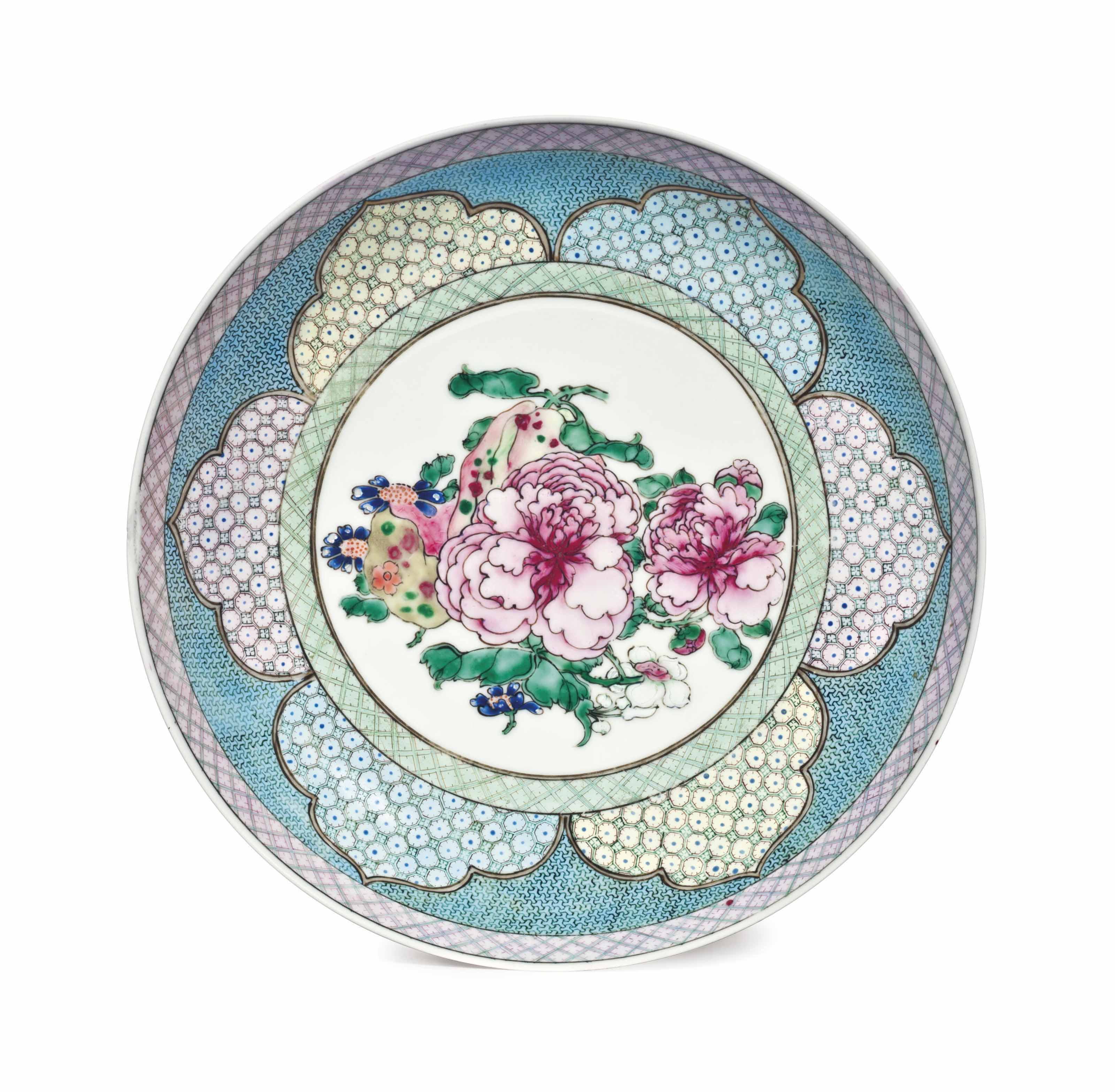 A FINELY ENAMELED FAMILLE ROSE