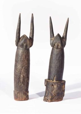 Deux statuettes  Two figures