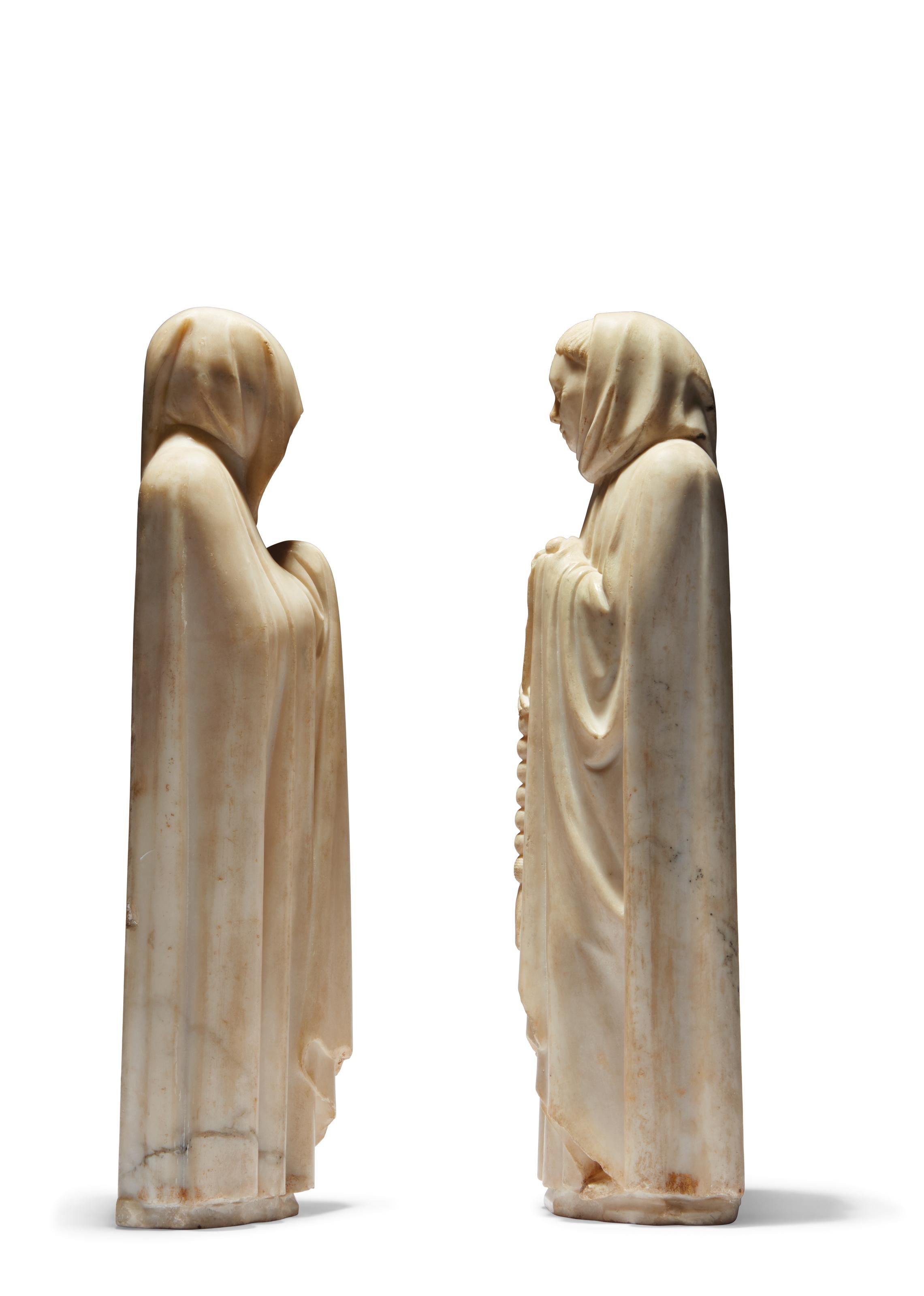DEUX PLEURANTS EN MARBRE SCULPTE PROVENANT DU CORTEGE FUNERAIRE DU TOMBEAU DE JEAN DE FRANCE (1340-1416), DUC DE BERRY