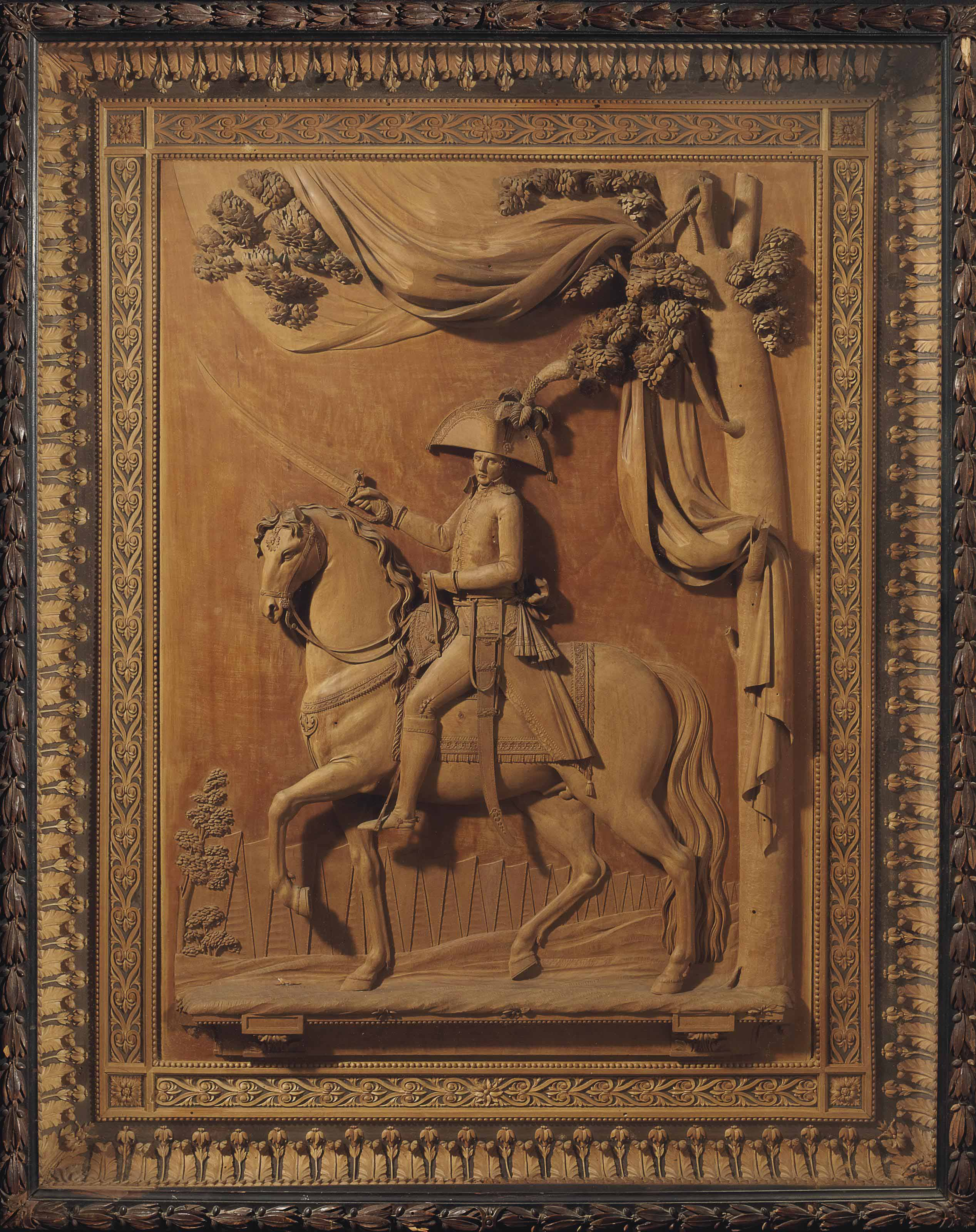 PANNEAU EN BOIS SCULPTE REPRESENTANT PROBABLEMENT LE MARECHAL ANDRE MASSENA (1758-1817)