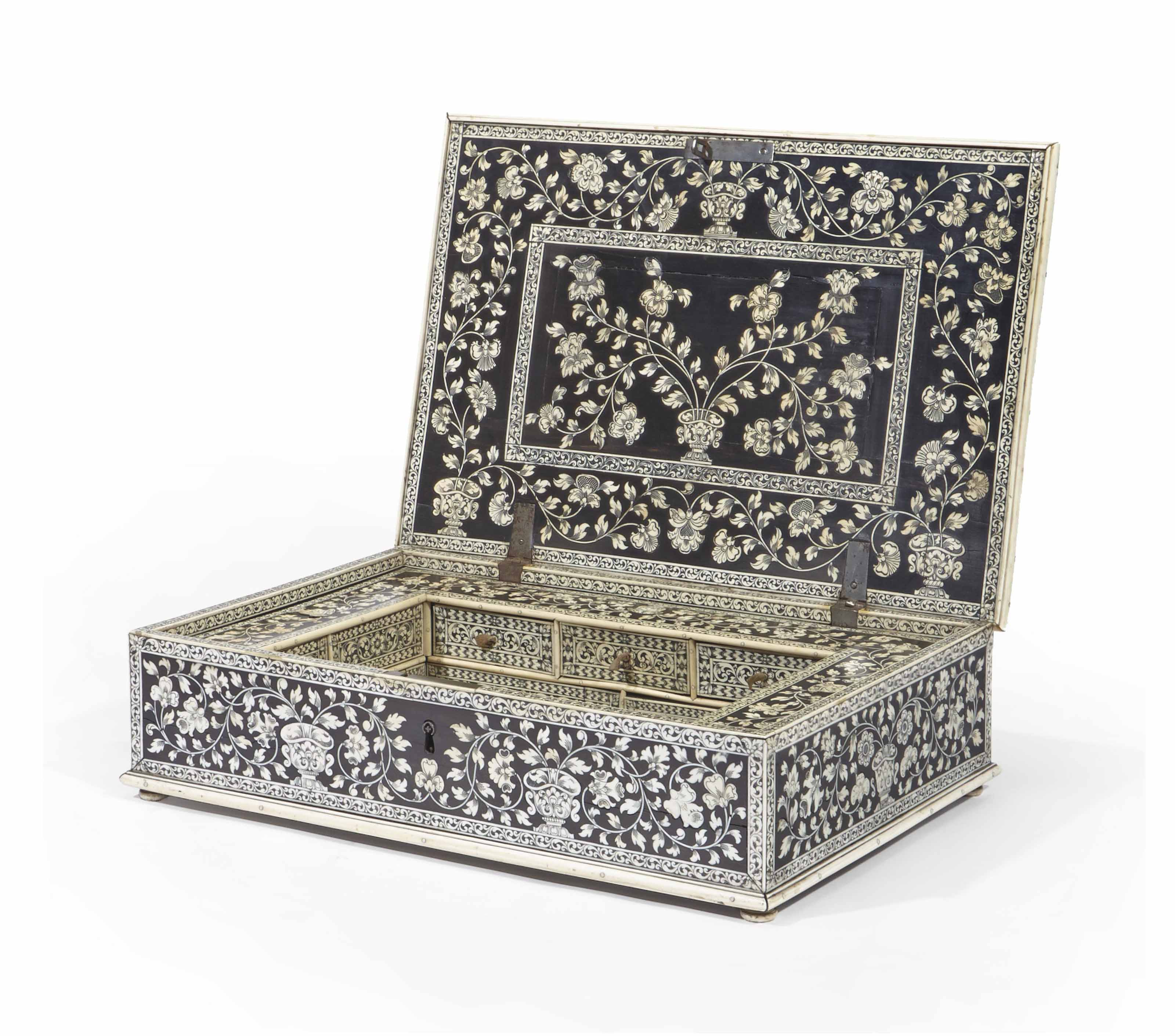 COFFRET ANGLO-INDIEN