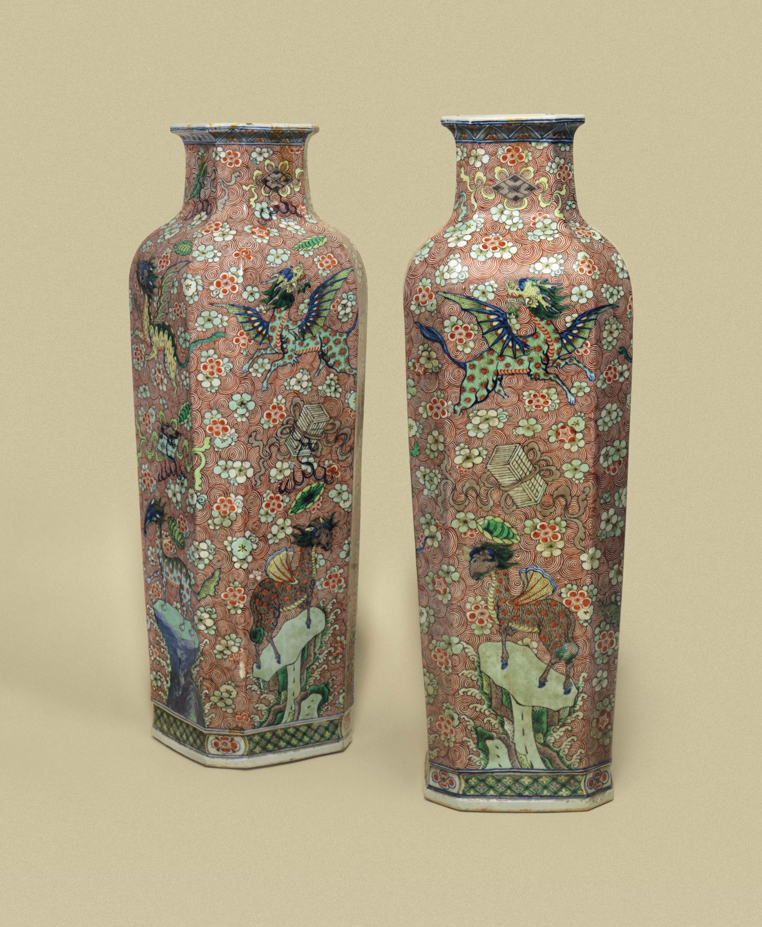 A PAIR OF LARGE SQUARE-SECTION WUCAI VASES