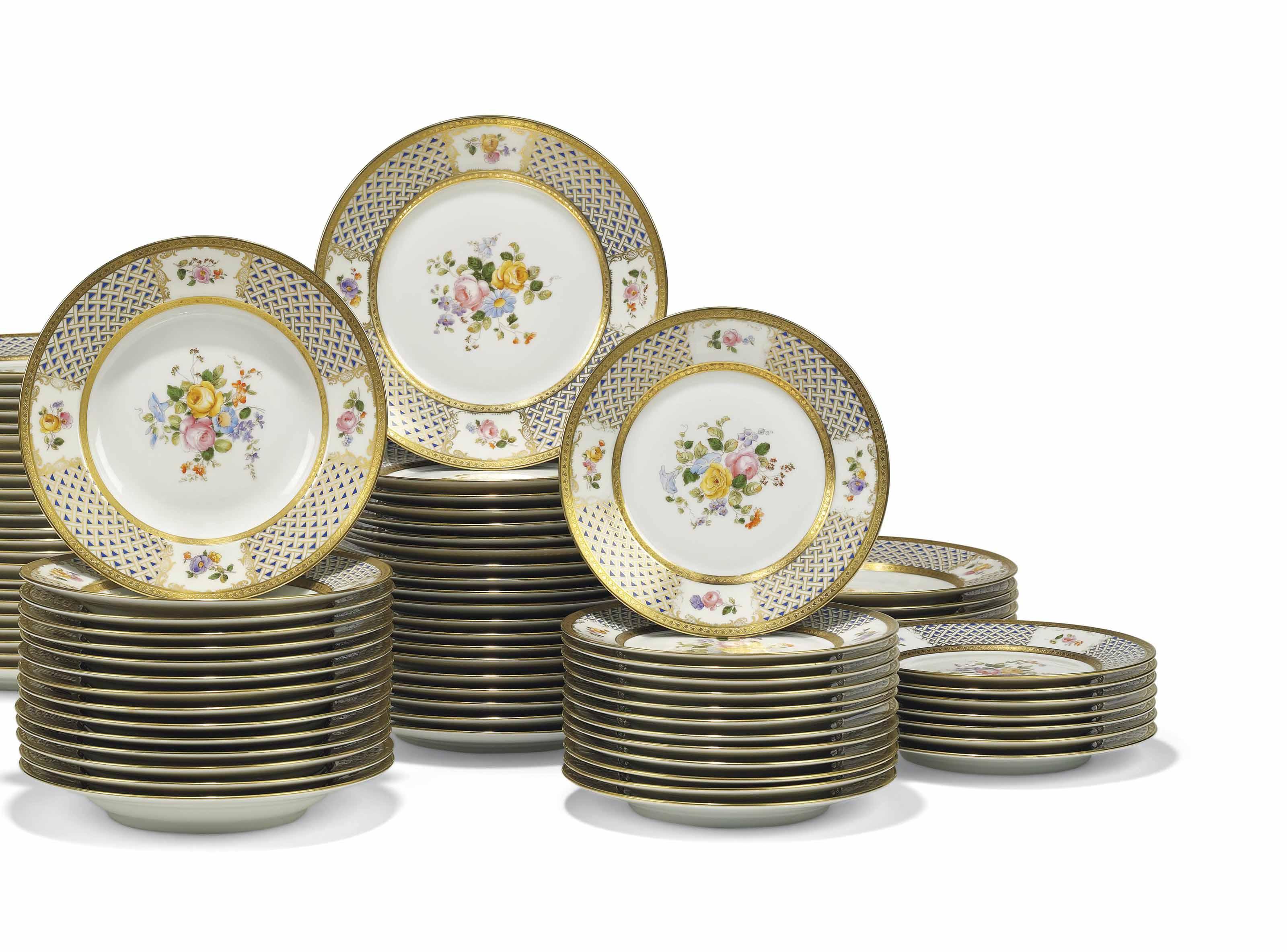A RICHARD GINORI PART DINNER-SERVICE