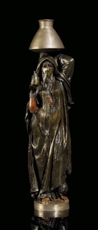 Femme Fellah voilée allant puiser de l'eau au Nil (Veiled Fellah woman drawing water from the Nile)