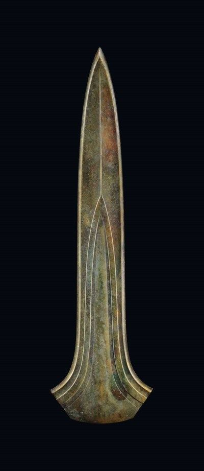 A CEREMONIAL BRONZE DIRK OF TH
