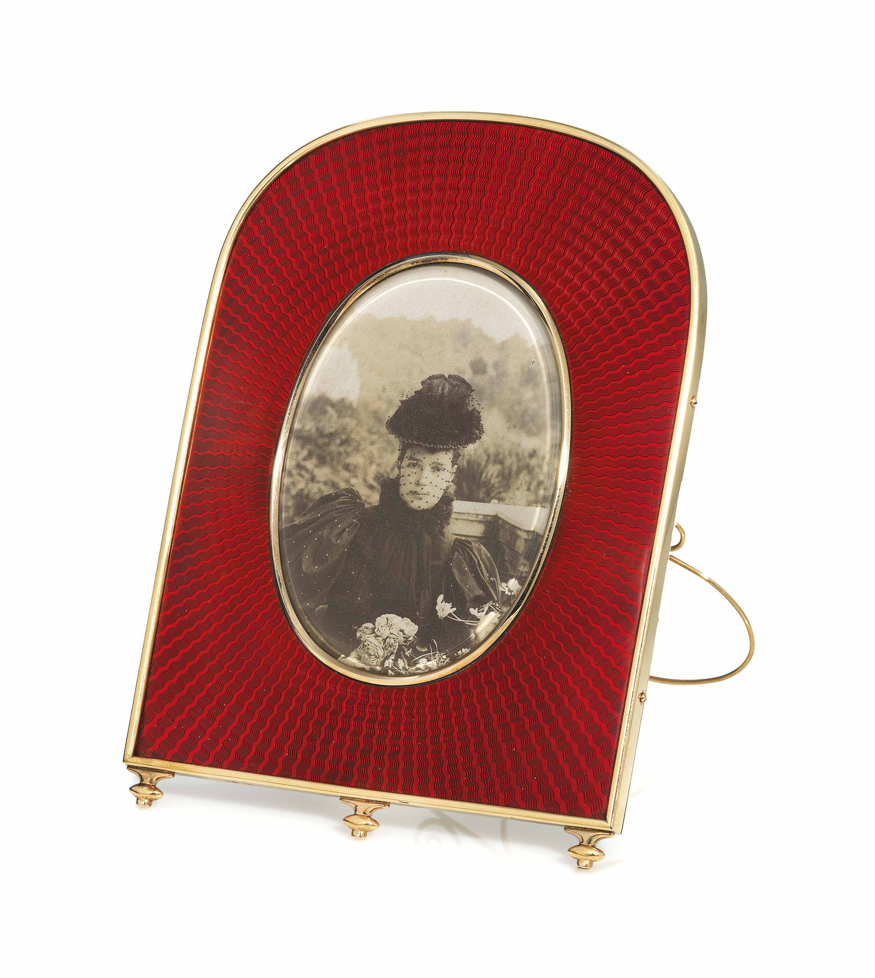 A GOLD-MOUNTED AND GUILLOCHÉ ENAMEL PHOTOGRAPH FRAME