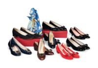 EIGHT PAIRS OF DAY SHOES