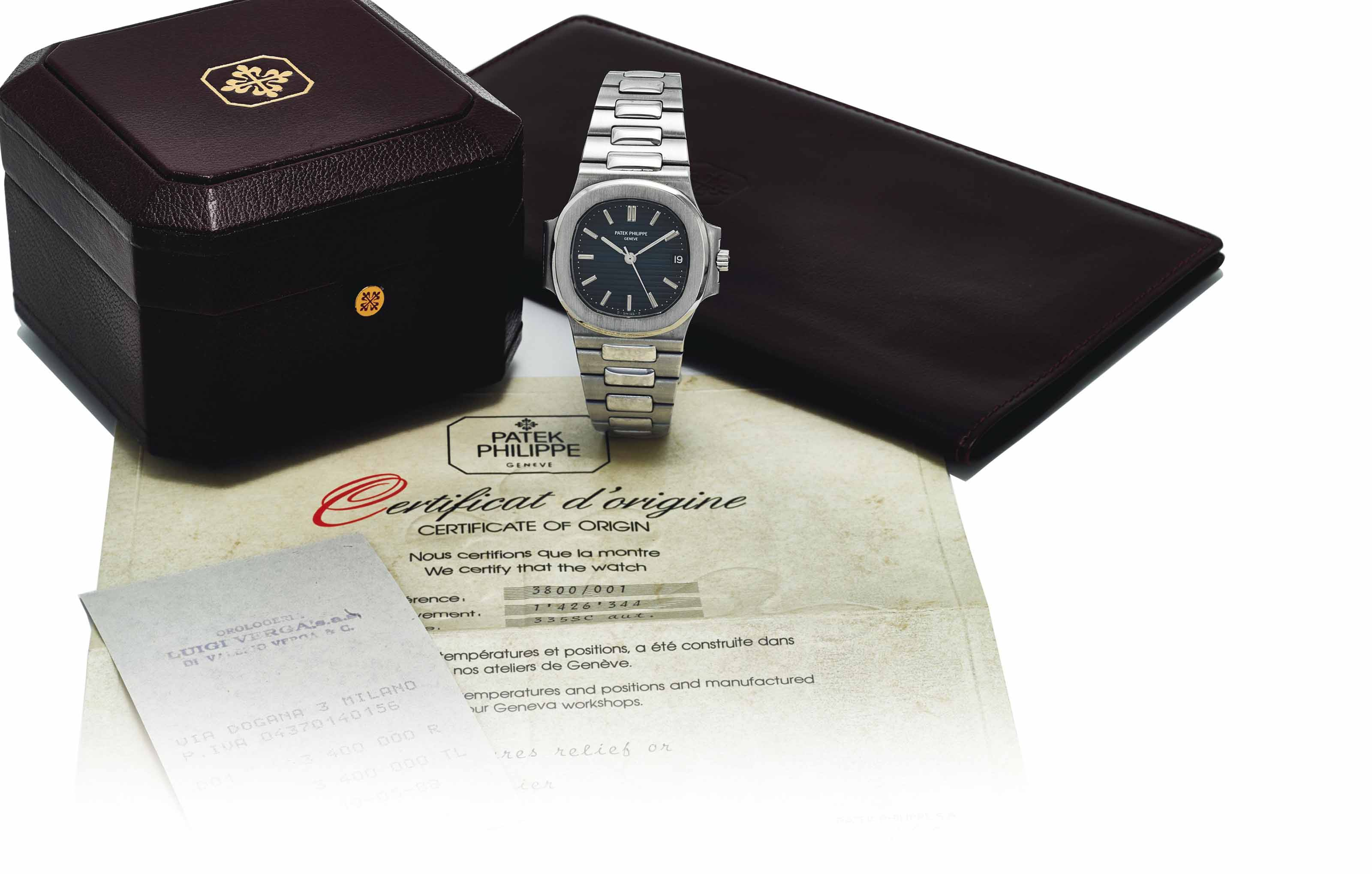 PATEK PHILIPPE. AN ATTRACTIVE STAINLESS STEEL AUTOMATIC WRISTWATCH WITH SWEEP CENTRE SECONDS, DATE, BRACELET, ORIGINAL CERTIFICATE AND BOX