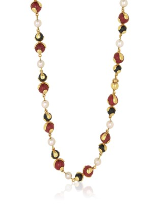 CULTURED PEARL AND HARD STONE NECKLACE