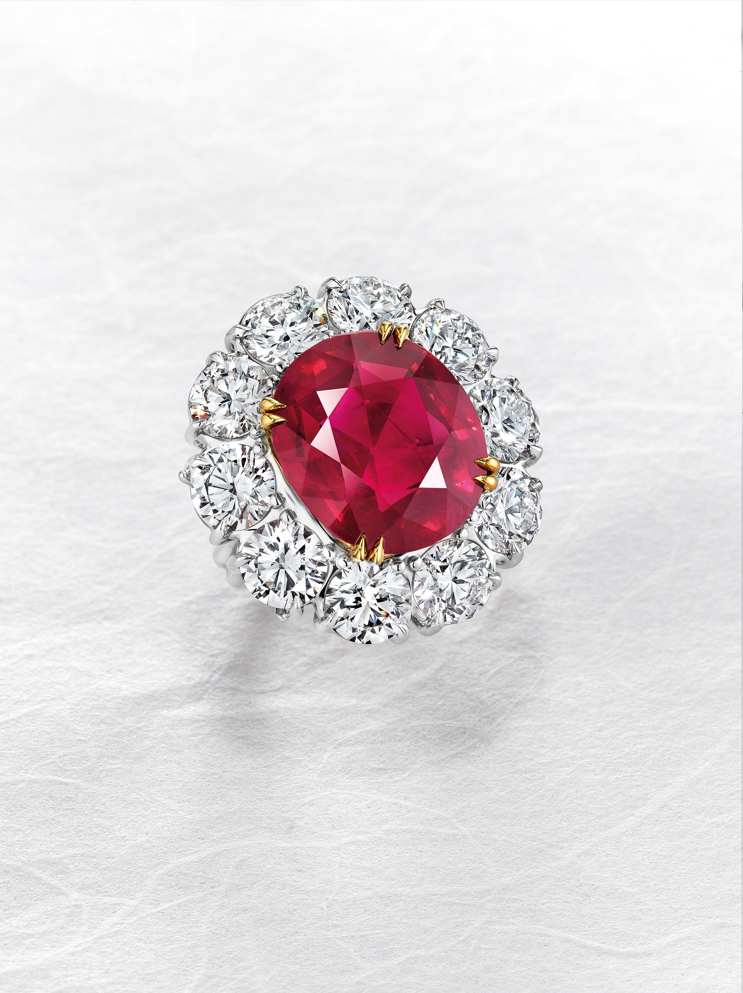 红宝石钻石戒指。2017年5月17日在佳士得日内瓦以12,751,500瑞郎成交。