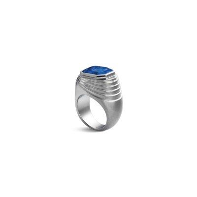 AN ART DÉCO SAPPHIRE RING, BY