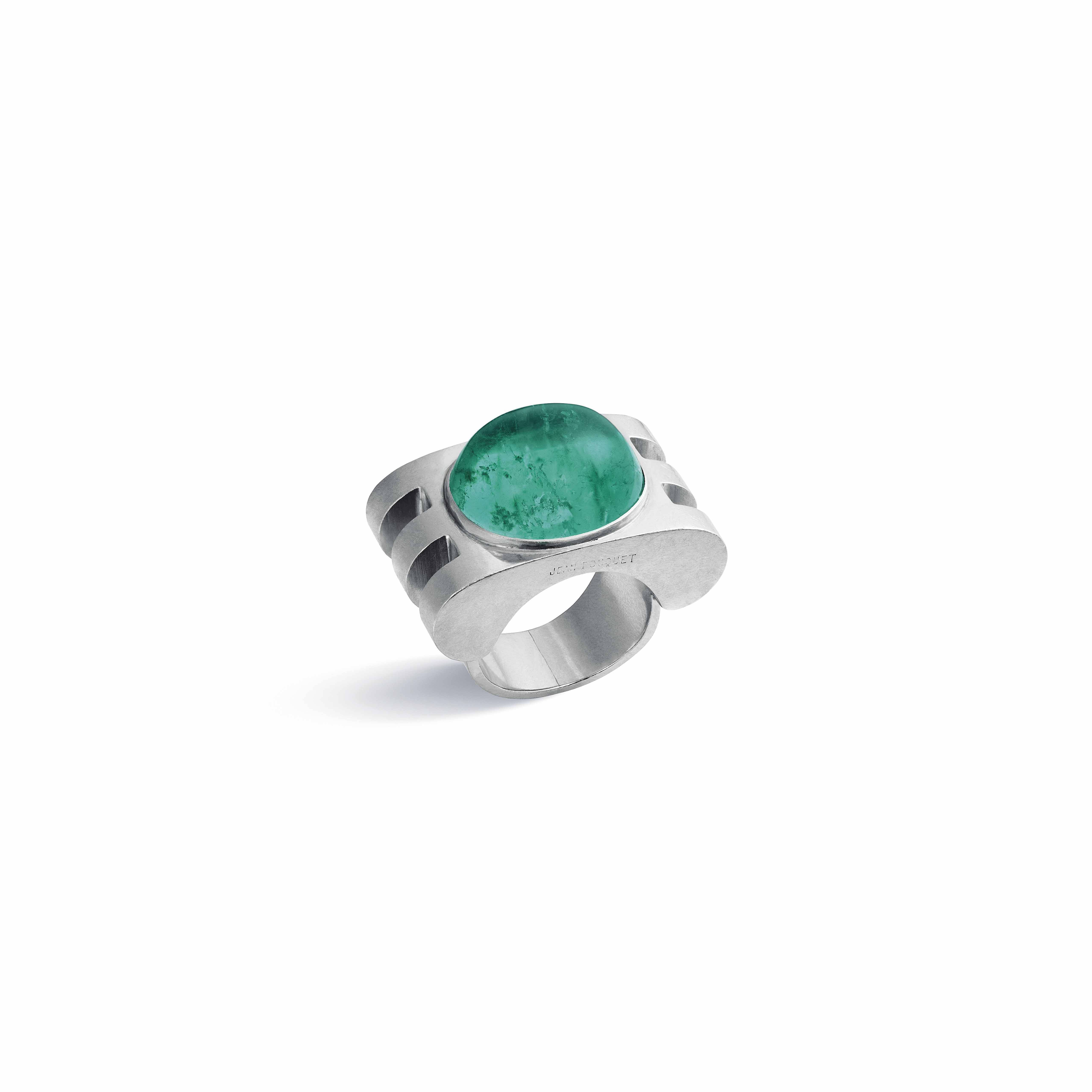 AN EMERALD RING, BY JEAN FOUQUET