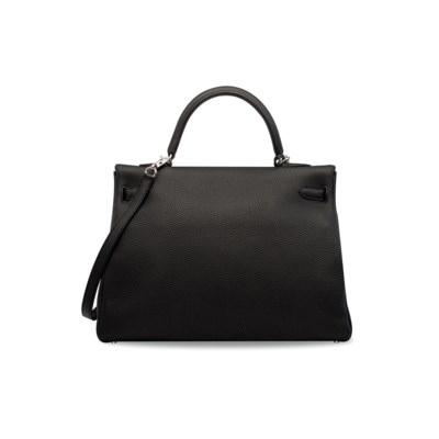 A BLACK TOGO LEATHER RETOURNÉ