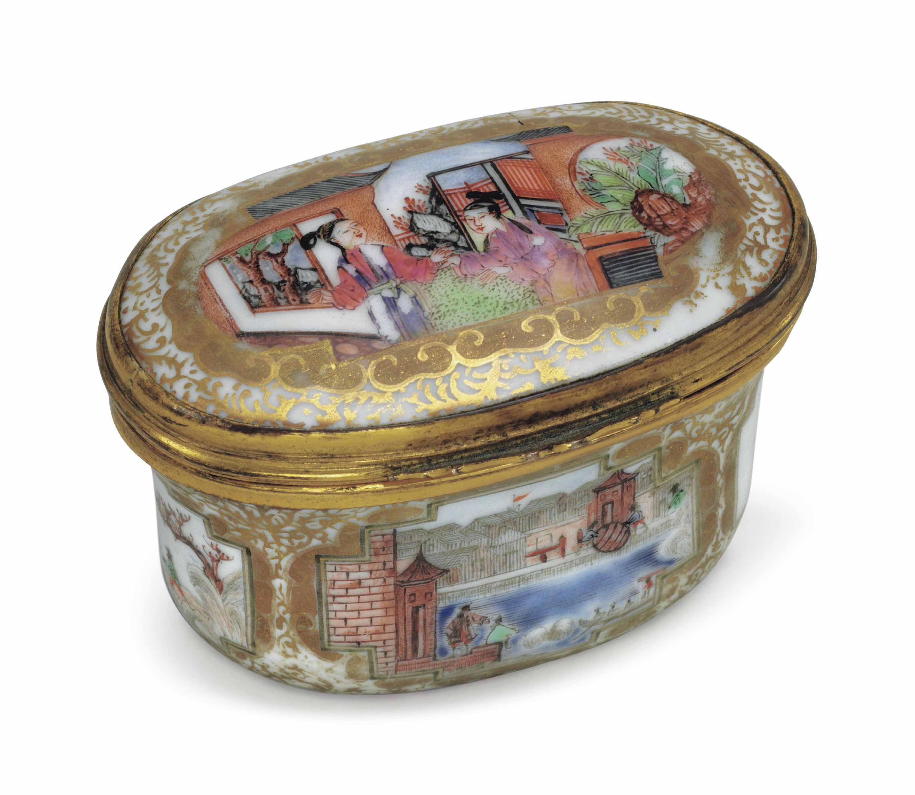 A FAMILLE ROSE AND GILT PORCELAIN OVAL SNUFF BOX