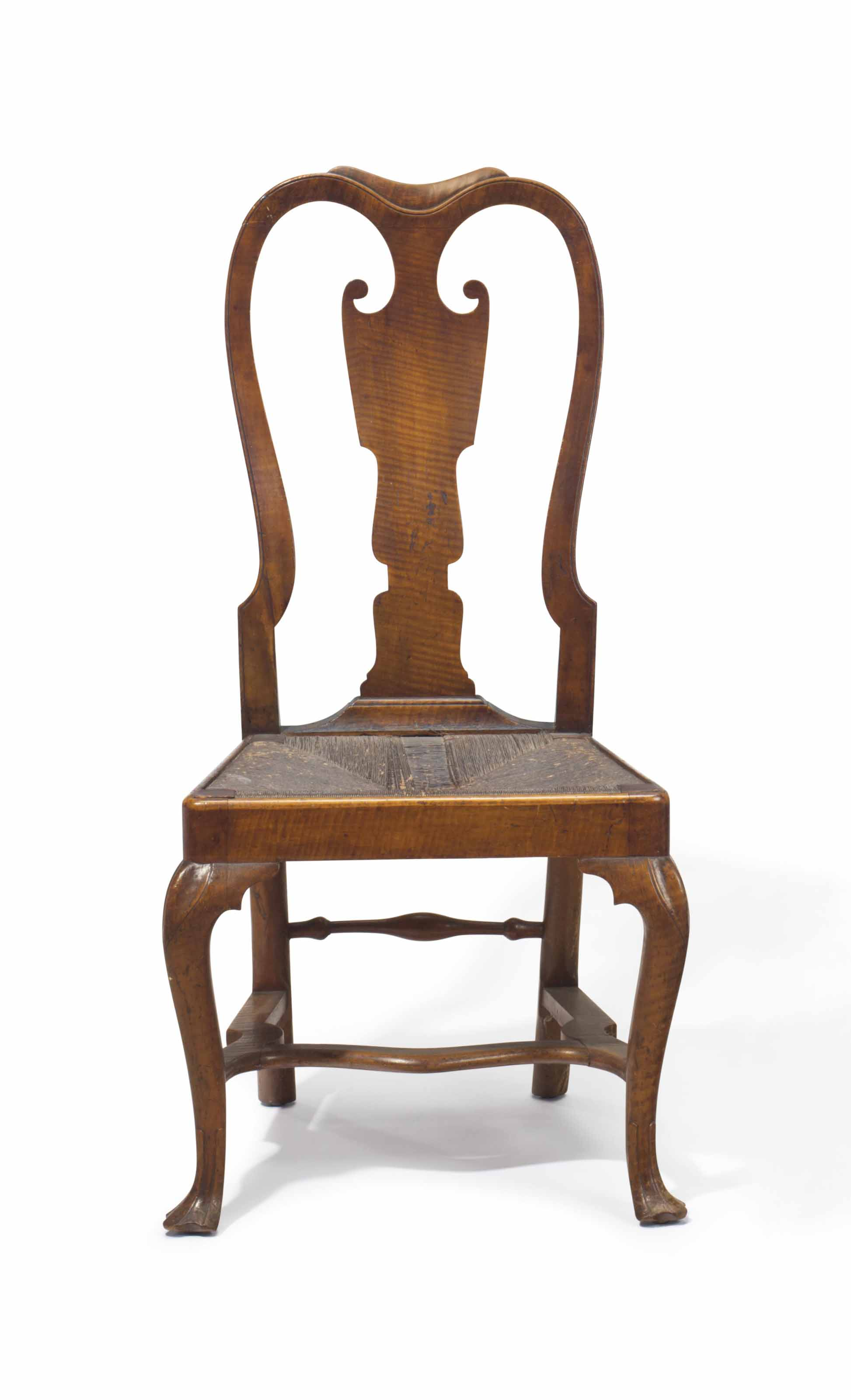 A QUEEN ANNE FIGURED MAPLE SIDE CHAIR