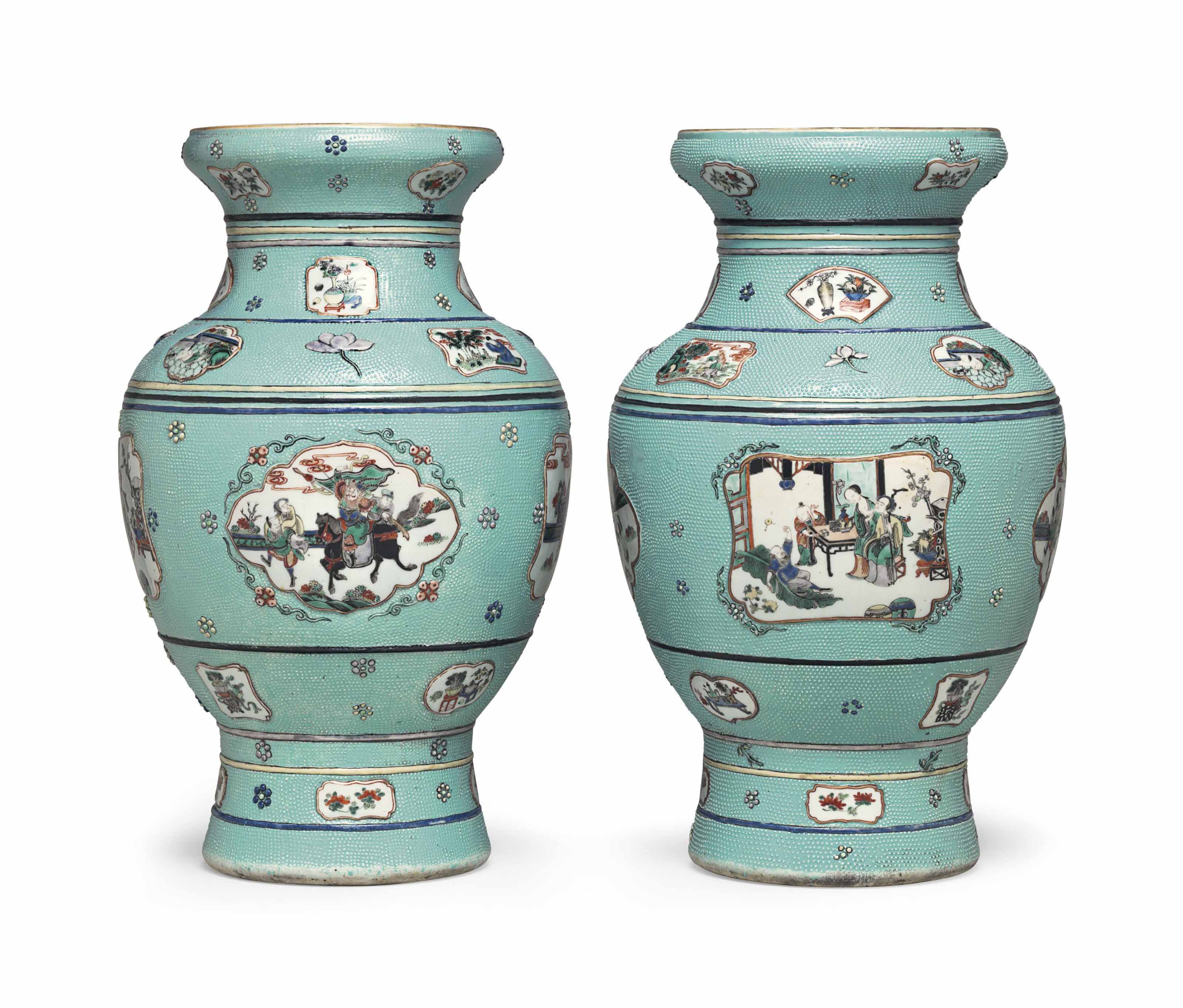 A PAIR OF LARGE CHINESE EXPORT TURQUOISE GROUND VASES