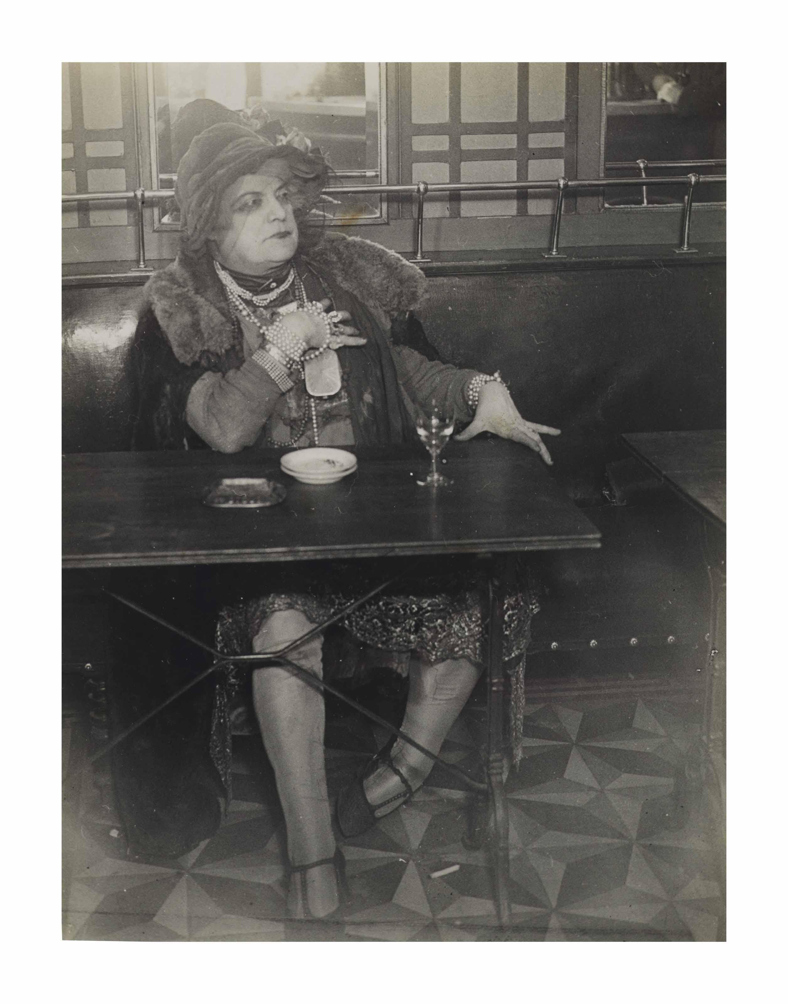 La Môme Bijou, Bar de la Lune, Paris, c. 1932