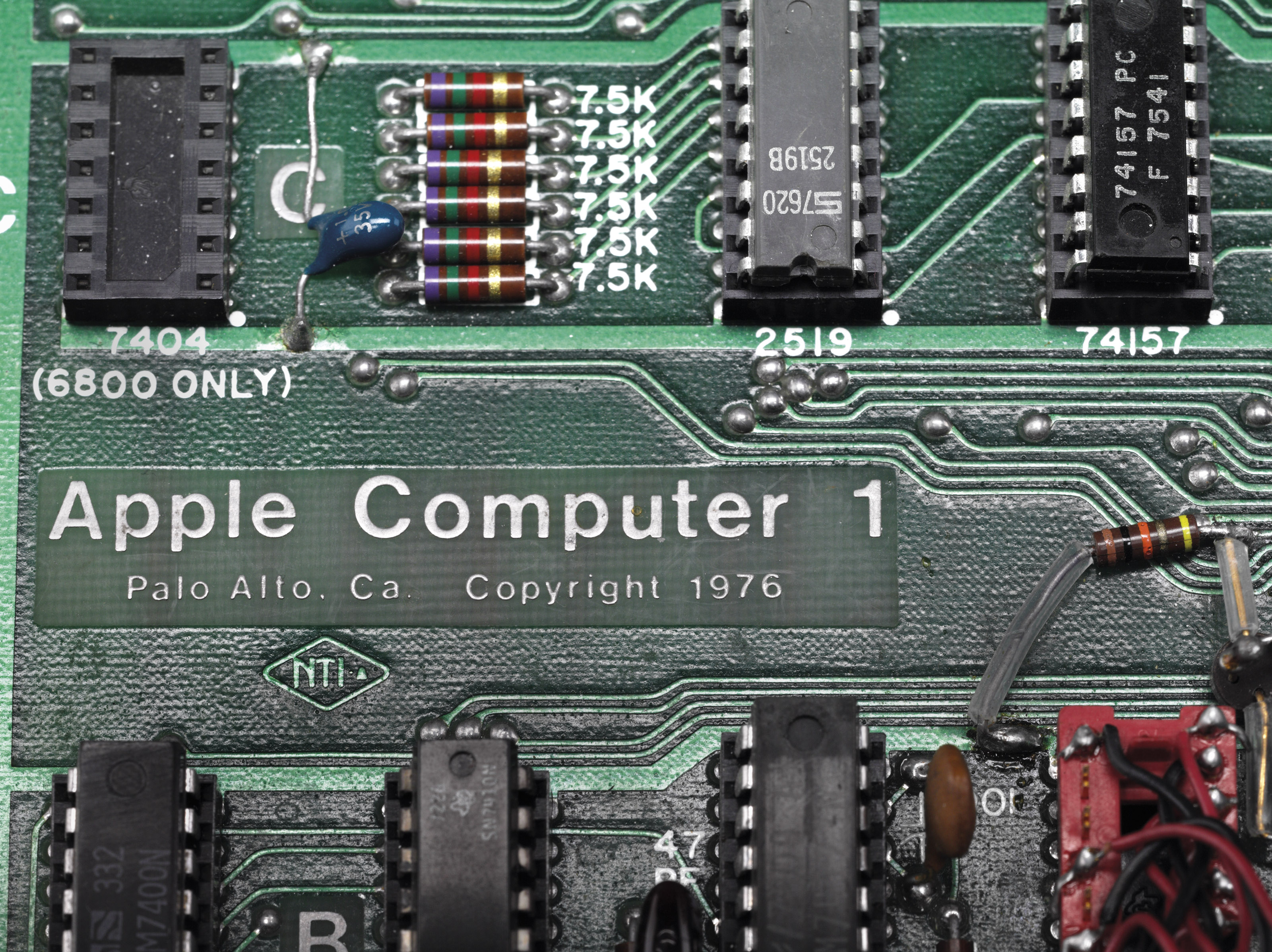 A WORKING APPLE-1 PERSONAL COMPUTER. PALO ALTO, 1976.