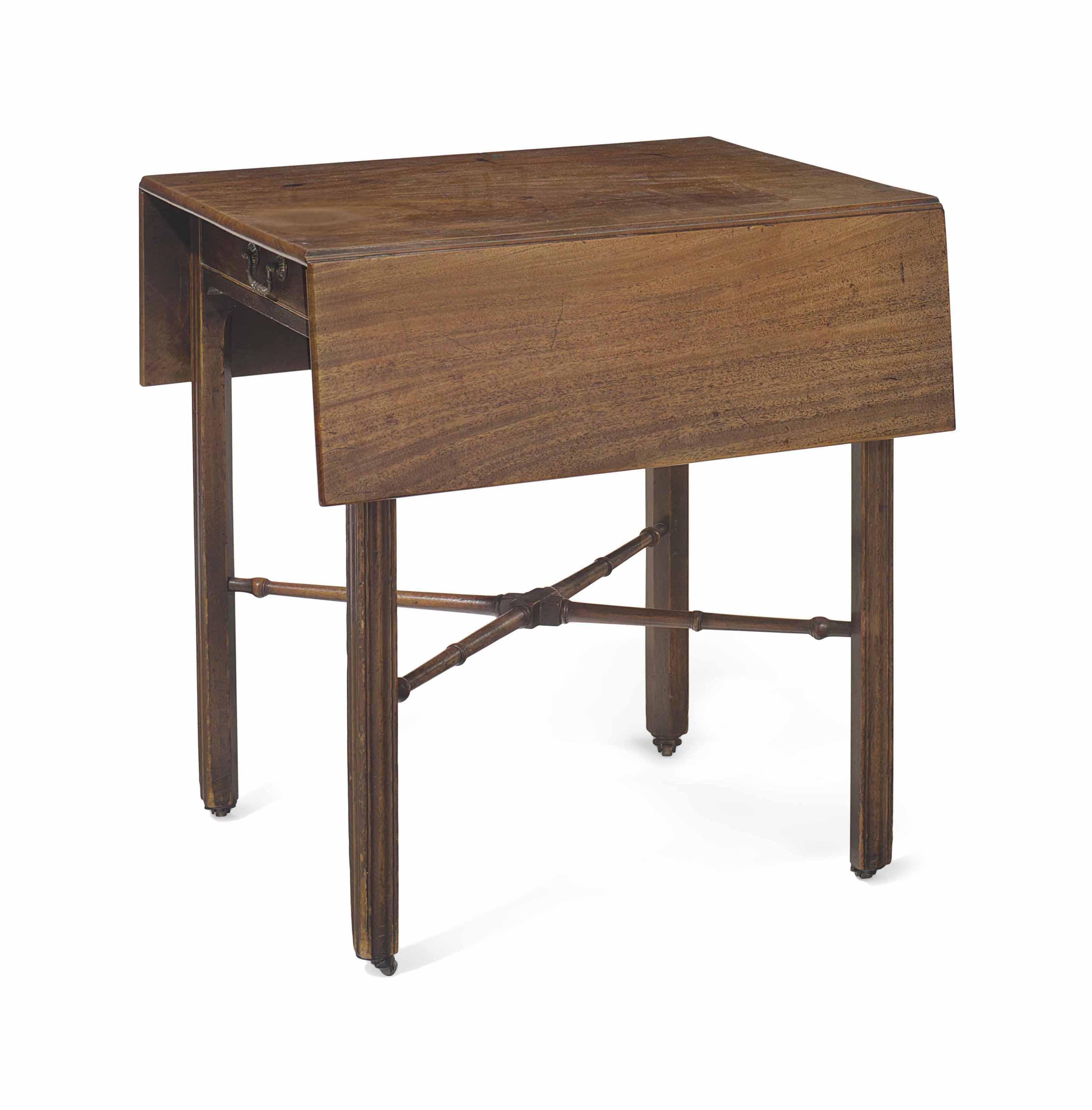 AN EARLY GEORGE III MAHOGANY PEMBROKE TABLE