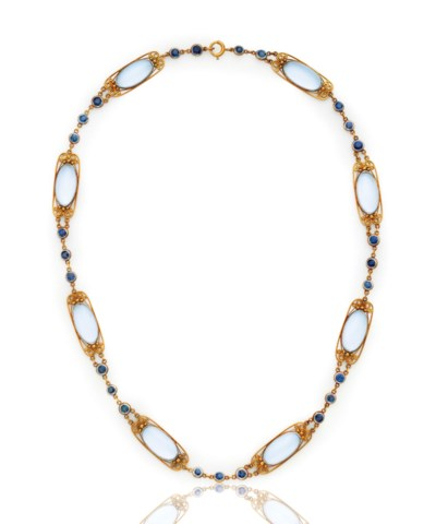 A MOONSTONE AND SAPPHIRE NECKL