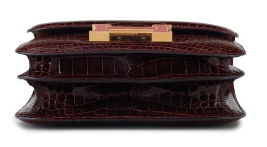 A LIMITED EDITION SHINY BOURGOGNE ALLIGATOR MINI CONSTANCE MARQUETTE 18 WITH ROUGE MOYEN LIZARD AND GOLD HARDWARE