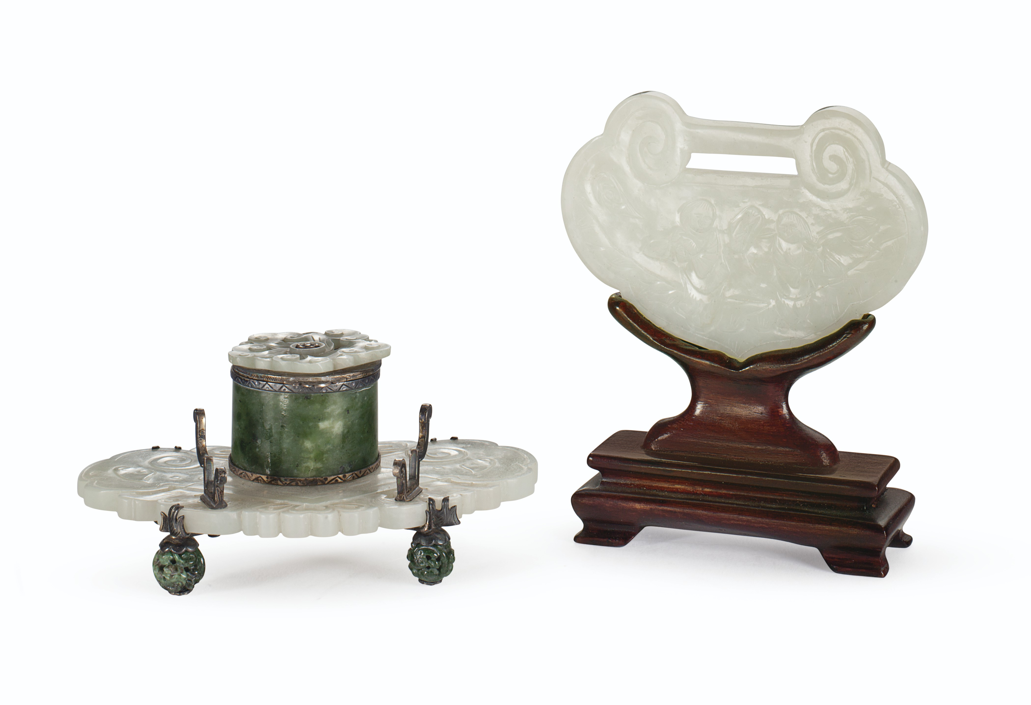 AN EDWARD I FARMER SILVER-GILT MOUNTED CHINESE PALE WHITISH-GREEN AND MOTTLED SPINACH JADE INKWELL, AND A PALE WHITISH-GREEN JADE PENDANT