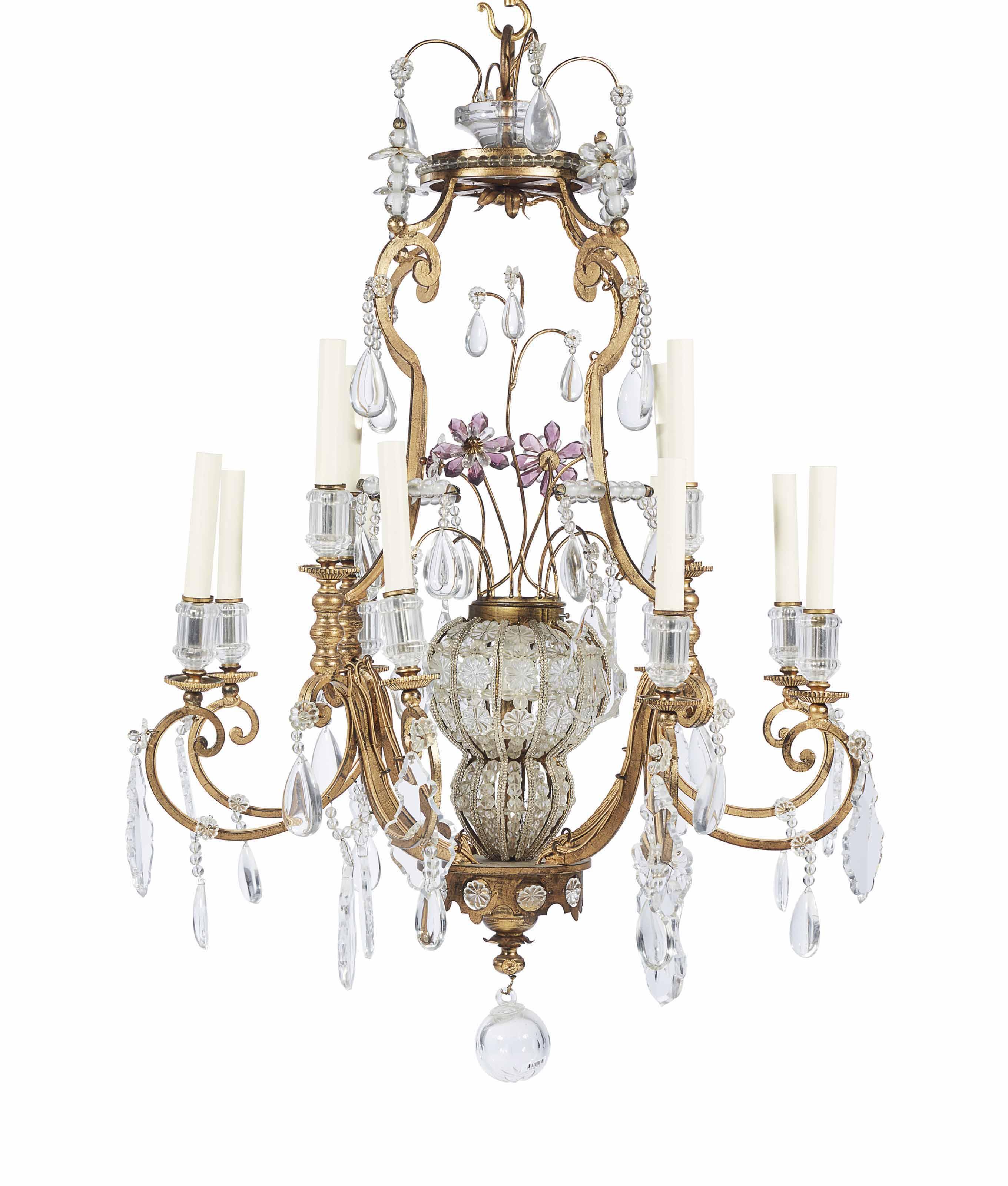 paire de lustres de style baroque dans le gout de la. Black Bedroom Furniture Sets. Home Design Ideas