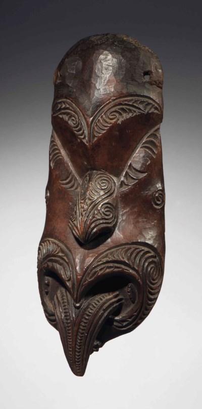 Masque de gable Maori, Koruru