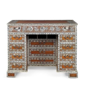 AN ANGLO-INDIAN ENGRAVED IVORY AND INDIAN ROSEWOOD DRESSING-