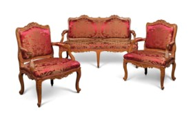 A SUITE OF LOUIS XV BEECHWOOD SEAT FURNITURE