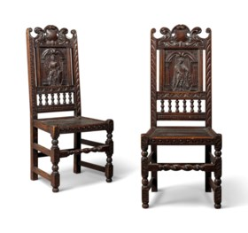 A PAIR OF LATE VICTORIAN OAK SIDE CHAIRS