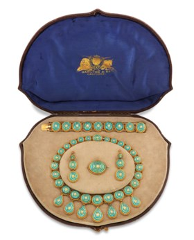 A TURQUOISE-SET JEWELLERY SUITE