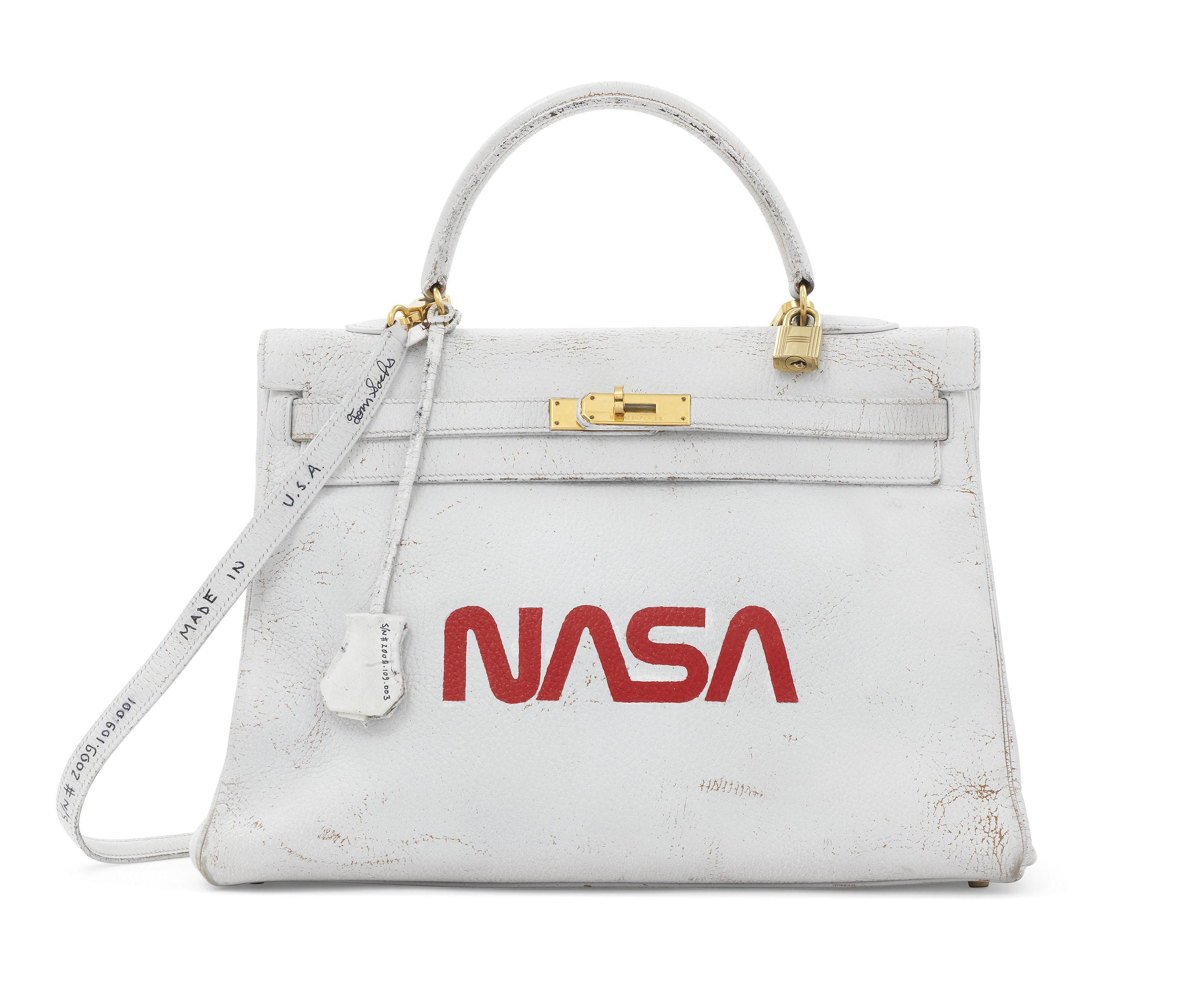 4de12b186c4b A UNIQUE PAINTED WHITE & RED ARDENNES LEATHER NASA RETOURNÉ KELLY 35 ...